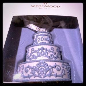 """""""Just Married"""" Wedgwood Cake Ornament 2014"""